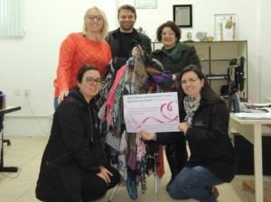 Campanha interna arrecada lenços para mulheres com câncer