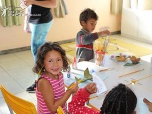 Conheça o projeto Oficinas Criança Brinca