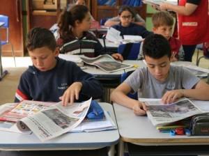 Uso do jornal transforma dinâmica em sala de aula